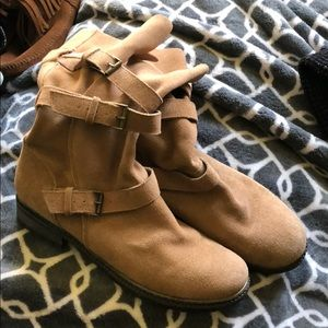 NWOT taupe suede slouchy boots